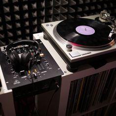 En clásico los #MK2  . . @PortalDeDJsOficial La web de los DJ's de Venezuela   Noticias DJs sessiones utilidades y mas. Todo en un solo lugar!!  www.PortalDJs.com.ve . Envia tus aportes al DM y etiqueta a tus amigos en comentarios ___________ ___________ ___________ ___________ ___________  #PortaldeDjsOficial #Acarigua #Venezuela #InstaDjs #Producers #Techno #House #EDM #Festival #Reggaeton #instadaily #siguemeytesigo #followme #tags4likes #f4f #Salsa #Merengue #Turntable #Amplifier #Club…