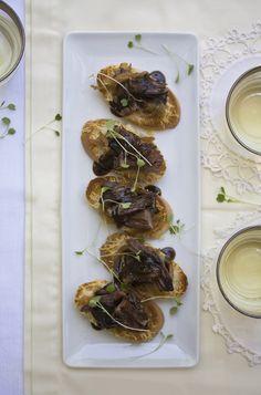 Chocolate Braised Short Rib Crostini w/carmelized onions & Gruyere