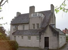 1902 Hill House, Helensburgh, Scotland: an amazing house which looks modern/contemporary now. Glasgow Architecture, School Architecture, Interior Architecture, Charles Rennie Mackintosh Designs, Art Nouveau Furniture, Brass Bed, Glasgow School Of Art, House On A Hill, Mansion