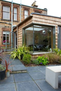 House improving extensions - 18 affordable ideas living room extension: modern Houses by Urban Creatures Architects Extension Veranda, Cottage Extension, House Extension Design, Extension Designs, Glass Extension, House Design, Living Room Extension Ideas, Conservatory Extension, Rear Extension