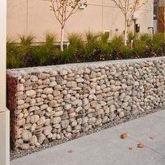 Unique Gabion Wall Garden design - Decorate Your Home Fence Landscaping, Backyard Fences, Garden Fencing, Gabion Retaining Wall, Retaining Wall Design, Low Retaining Wall Ideas, Gabion Stone, Garden Wall Designs, Small Garden Design