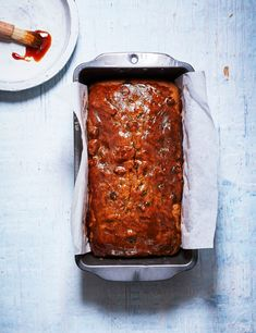 Use up left over bananas in our moist loaf with tea-infused dried fruit and malt extract. Malt adds an extra nutty caramel taste to this moreish tea time treat Loaf Recipes, Banana Bread Recipes, Cooking Recipes, Asian Street Food, Best Street Food, Moist Banana Bread, Baked Banana, Sweet Loaf Recipe, Sweet Recipes