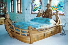 What a great bed.....give you dreams of pirates & the 7 seas