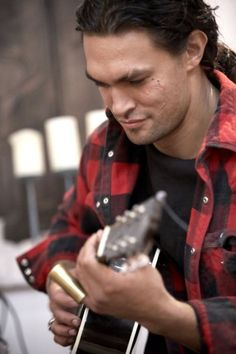Jason Momoa with a GUITAR!?  STAHP ETT! I'm dying over here
