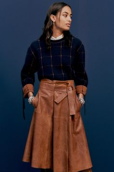 Chloé Pre-Fall 2020 Collection - Vogue Source by oanaalice winter fashion 2020 Fashion Mode, Fashion 2020, Modest Fashion, Fashion Show, Fashion Trends, Chloe Fashion, Fall Winter Outfits, Autumn Winter Fashion, Looks Style