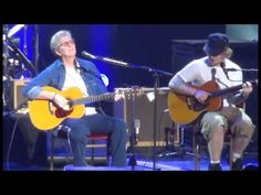 """Eric Clapton Brings His Friend Ed Sheeran On Stage For Breathtaking Duet Of """"I Will Be There""""! 