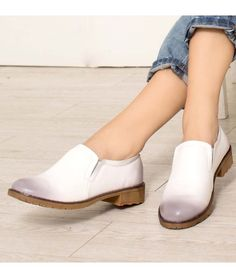 Women's #white leather #DressShoe slip on style simply retro, sewing thread, Round toe design, leather upper and lining.