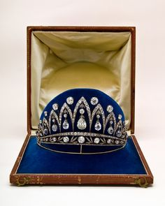 The Leuchtenberg Diamond Tiara      Arthur and Dorothy McFerrin Foundation Collection. Photograph: Courtesy of Houston Museum of Natural History