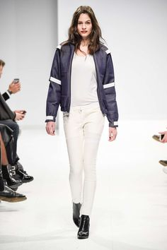 Vektor Fall-Winter 2015, Womenswear - Catwalks (#20733)
