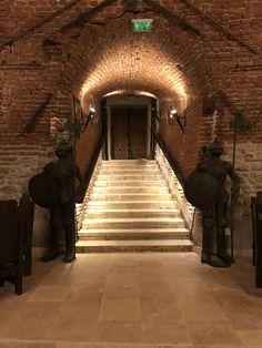 Medieval, Stairs, Restaurant, Travel, Home, Design, Decor, Stairway, Viajes