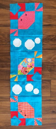 WIP, crab and bubble blocks for our contribution to 2015 row by row Paper Piecing Patterns, Quilt Block Patterns, Pattern Blocks, Quilt Blocks, Cute Quilts, Small Quilts, Mini Quilts, Quilting Projects, Quilting Designs