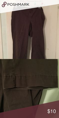 Slacks/pants PLUS SIZE Old navy plus size 20 regular.  Great for business or pleasure and comfort!  As u can see the legs are wide so great for ur favorite shoes. Old Navy Pants Wide Leg