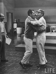 Dean Martin and Bing Crosby dancing   (via fabulousflights)