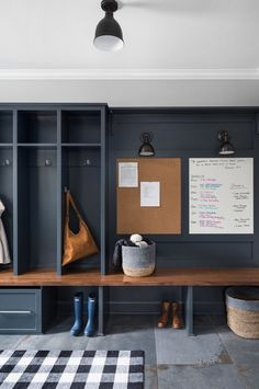 Mudroom Ideas - Mudrooms and entrances can be vital for maintaining your house organized. If you're preferring a stylish and also efficient room, check out these ... #mudroomideas #mudroom #mudroomtub