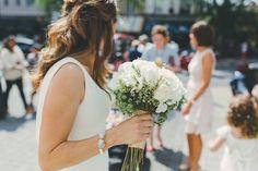 White rose bridal bouquet | Photography by http://missgen.com/