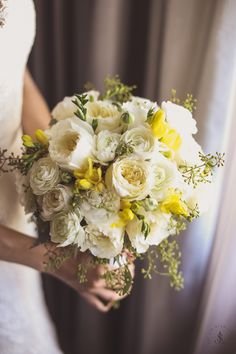 Yellow and white for soft elegance. Photographed by JayLim Studio. New York Wedding, Wedding Day, Yellow Bouquets, Wedding Story, Wedding Bouquets, Floral Wreath, Wedding Photography, Weddings, Table Decorations