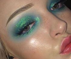 make-up - euphoria - green - eyes On paper, organic makeup foundation needs to be Eye Makeup, Kiss Makeup, Makeup Art, Beauty Makeup, Hair Makeup, Makeup Salon, Makeup Studio, Makeup Goals, Makeup Inspo
