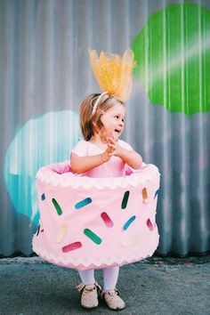 Easy DIY Halloween Costumes for Kids || Pink Birthday Cake Costume - The Effortless Chic