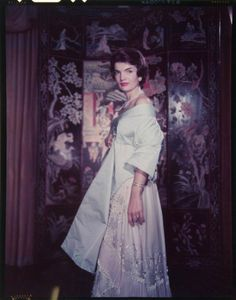 """thekennedywives: Jacqueline Kennedy in """"He scared me to death,"""" she told a Doubleday colleague of the photographer, Yousuf Karsh. Jackie O's, Jackie Kennedy Style, Ted Kennedy, Jacqueline Kennedy Onassis, Kennedy Wife, Jaqueline Kennedy, Caroline Kennedy, Charles Manson, John Fitzgerald"""