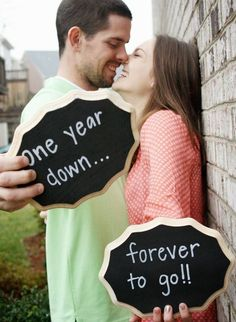 I love this for 1 year wedding anniversary <3 so so doing this!!