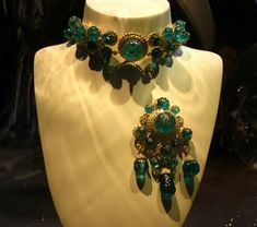 Begum Aga Kahn's Emerald and Gold Necklace and Pendant/Brooch - can be combined into an elaborate necklace with pendant - the necklace itself can become two bracelets