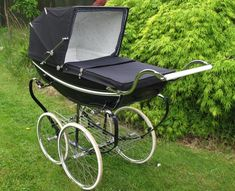 vintage SILVERCROSS COACHBUILT PRAM Silver Stream Wonderful condition  My Aunt likes this http://www.geojono.com/
