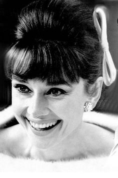 So beautiful, Audrey Hepburn. Look at her smile!