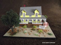 Jericho Fan Table - Miniature model of the Richmond Farm. Gingerbread, Miniatures, Fan, Christmas Ornaments, Holiday Decor, Awesome, Artist, Table, Model