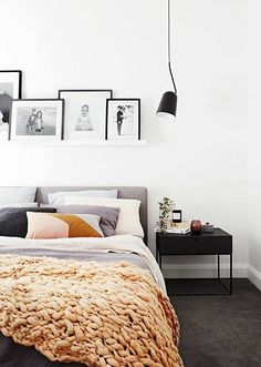 Newest Cost-Free dark Carpet Bedroom Style Your bedroom flooring is important. Newest Cost-Free dark Carpet Bedroom Style Your bedroom flooring is important. Bedroom Carpet, Living Room Carpet, Dark Grey Carpet Bedroom, Trendy Bedroom, Modern Bedroom, Modern Beds, Bedroom Inspo, Home Bedroom, Bedroom Ideas