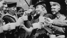 Pink Floyd's Vera Lynn Turning 100, Releases New 2017 Album For Charity