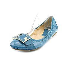 The Marc Fisher Rosa Dress Shoes feature a Synthetic upper with a Round Toe . White Flats For Women, Black And White Flats, White Flat Shoes, White Boots, Black Shoes, White Ballet Flats, Blue Flats, Oxford Flats, Fisher