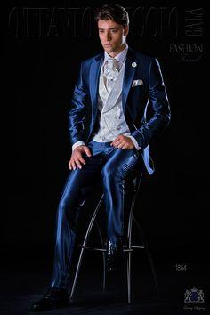 Traje de novio slim azul royal falso liso con solapa de pico y 1 botón fantasía. Traje de novio 1864 Colección Fashion Formal Ottavio Nuccio Gala.