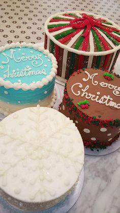 マグノリアベーカリーのクリスマスケーキは、クラシックなアメリカンスタイルの写真1