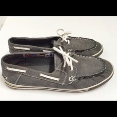 Blue fin boat shoes Worn twice! EXCELLENT CONDITION! Blue fin Shoes Flats & Loafers