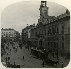 www.klumpcol.com  1910 Tránsito en la Puerta del Sol. Fragmento de estereoscópica. (Centro)