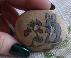 Retro 1970's Hand Painted Pet Rock Artists by KandysKollectables..cute mouse!!