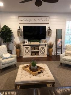 76 amazing living room wall decor ideas that you must know.- ✔ 76 amazing living room wall decor ideas that you must know 58 - Living Room Tv, Living Room Interior, Apartment Living, Home And Living, Modern Living, Rustic Living Room Decor, Cozy Living, Tv Stand Ideas For Living Room, Living Room Decor Around Tv