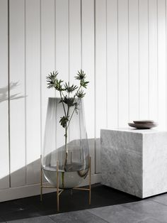 Love the newly released SS17 collection by Danish Menu. Elegant and sophisticated, with furniture and accessories designed by Theresa Arns, Norm Architects, Rui Alves and more.