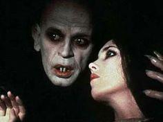 Google Image Result for http://4.bp.blogspot.com/-_fWkZO21DyI/TckhgG1odBI/AAAAAAAAAKw/5JdyF-4_gus/s400/Nosferatu_The_Vampyre.jpg