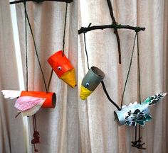 Marionette birds made from toilet paper rolls and nature walk items - Autumn Crafts, Fall Crafts For Kids, Diy For Kids, Toilet Paper Roll Crafts, Paper Crafts, Bird Puppet, Puppet Making, Bird Crafts, Dragon Crafts