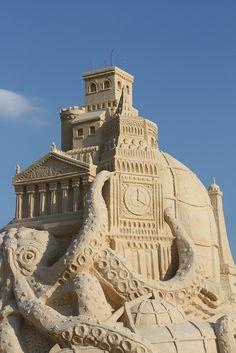 Sand art: octopus engulfing European monuments by LaForzaDiMente, via Flickr