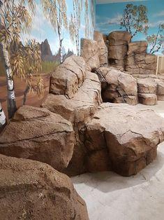 Fake Stone, Stone Art, Backyard Landscaping, Backyard Ideas, Artificial Rocks, Fake Rock, Reptile House, Courtyard Gardens, Garden Centre