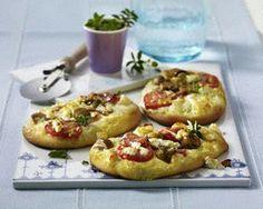 Blitz-Quiche mit Salami, Champignons , Tomaten und Schafskäse