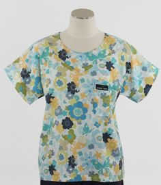 Scrub Med Womens Print Scrub Top in Wing It