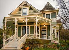 Victorian Houses: Photo
