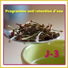 J 3 Mon + anti rétention: tisane de queue de cerise Mes repas Petit déjeuner : jus de citron+y+3 biscottes s/sel + miel Collation: fraise Déjeuner Rôti de veau+taboulé Collation 2 kiwis Diner Salade comp : petits pois, pâte, betterave, carotte, tomate+y Et on n'oublie pas le petit jet d'eau froide pour la circulation ! #regime #regimeuse #retentiondeau #detox#luntch #healthy #healthyfood #salade#bowlcake #ete #objectifbikini #eatclean