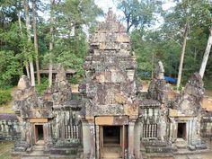 Ta Keo temple gopura image http://amazingzon.org/ta-keo-temple-the-pyramid-of-five-levels