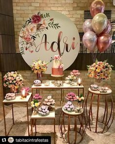 The anniversary is extra special. Check inspirations and tips for organizing a party 15 years simple and unforgettable! 15th Birthday, Diy Birthday, Birthday Parties, Birthday Decorations, Baby Shower Decorations, Wedding Decorations, Table Decorations, Party Organization, Organizing