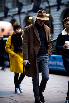 London Fashion Week Mens' Street Style Day Three: - Men's style, accessories, mens fashion trends 2020 Gq Fashion, Latest Mens Fashion, Mens Fashion Suits, Cool Street Fashion, Fashion Styles, Fashion Flatlay, Fashion Ideas, Fashion Blogs, Fashion Websites