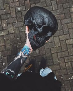Ideas tattoo ideas for guys skull beautiful Boy Tattoos, Trendy Tattoos, Body Art Tattoos, Small Tattoos, Tattoos For Guys, Fille Gangsta, Arte Black, Image Tumblr, Psy Art